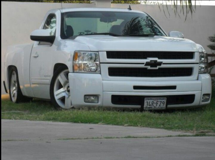 Single cab Chevy with hd front end