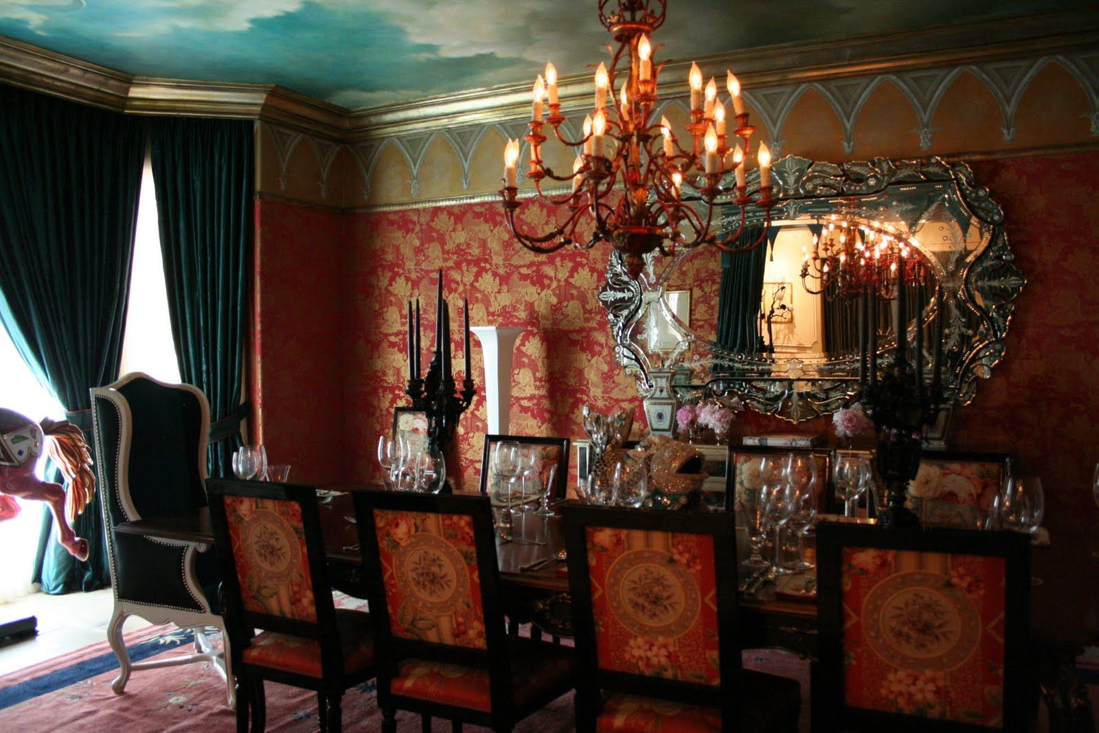10 Celebrities Surprisingly Bizarre Homes – Gothic Dining Room