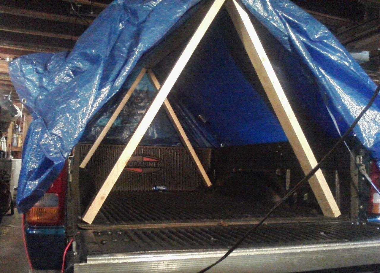 Hm... a DIY truck bedmounted tent via poniesnstuff
