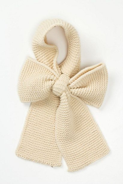 Ascot Bow Scarf #anthropologie    ...ya, this one will be easy to make.