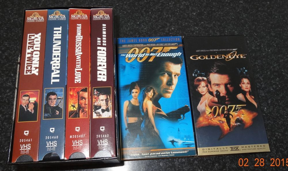James Bond 007 Vhs Movies Box Gift Set Volume2 World Is Not Enough