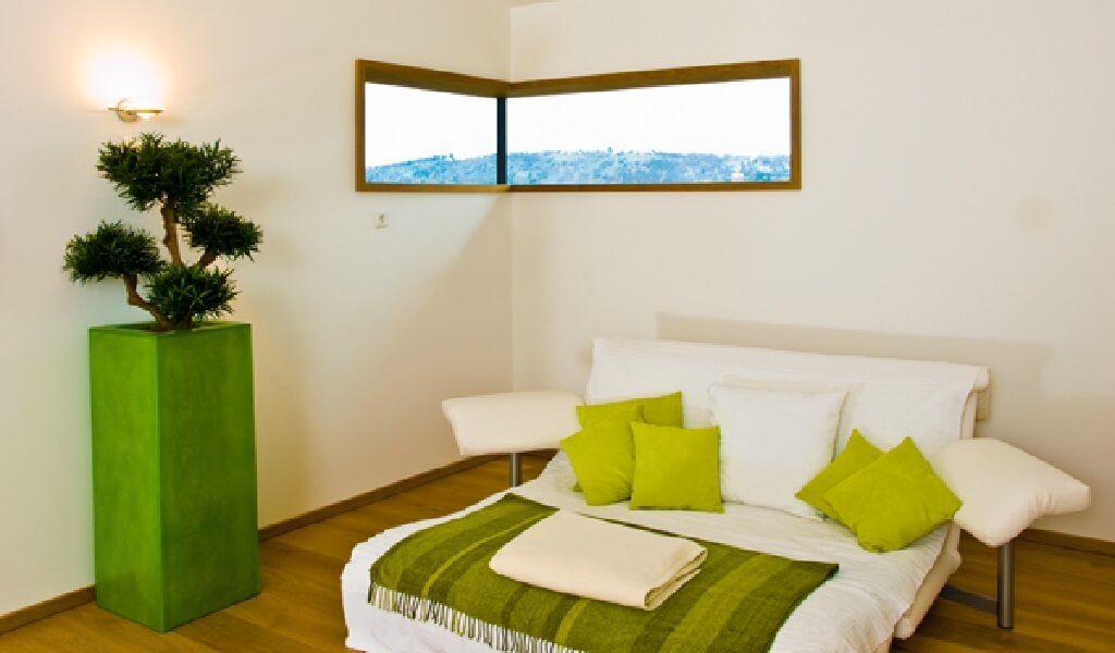 Einrichtungsideen Schlafzimmer grün weiß - Klassischer Bungalow von - Schlafzimmer Landhausstil Weiß