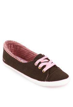 Slimmer Sepatu