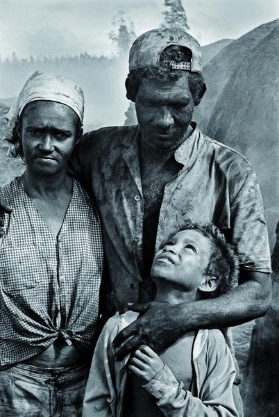 João Roberto Ripper - família carvoeira – trabalho escravo -MG