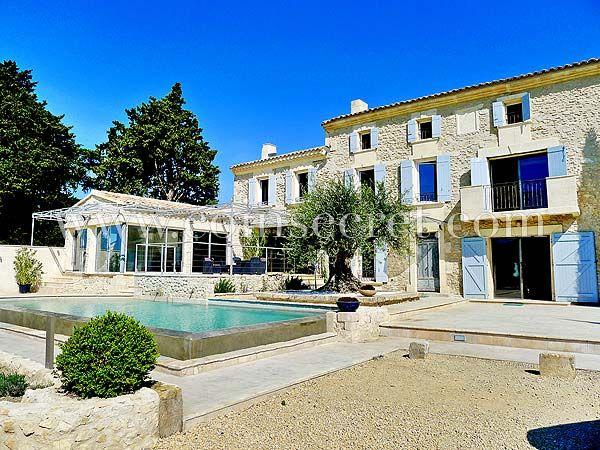 Réception et repas de mariage à Orgon, en Provence - Mas de la Rose - chambre d hotes aix en provence piscine