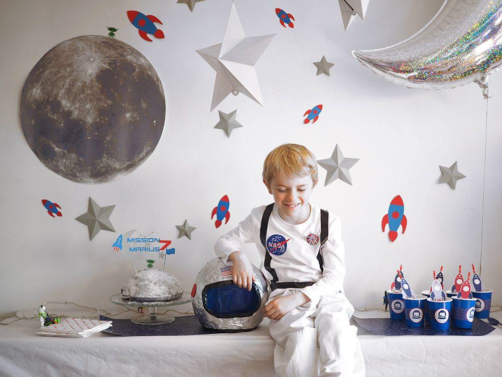 astronaut party theme - 1000×750