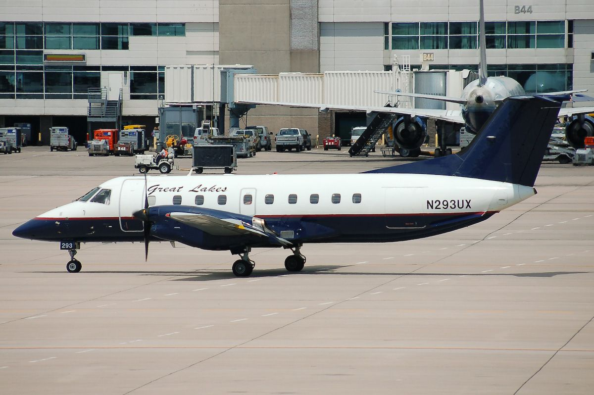 Great Lakes Airlines EMB120 N293UX. Airlines, Travel