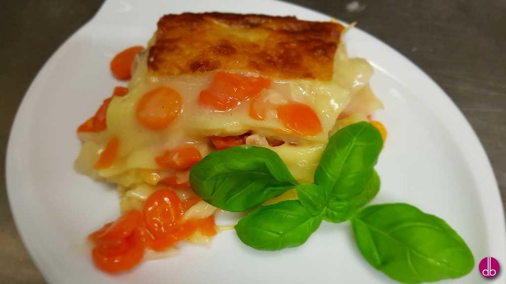 Spitzkohl Karotten Lasagne Mit Salbei Und Muskatnuss Rezept Rezepte Spitzkohl Einfach Lecker