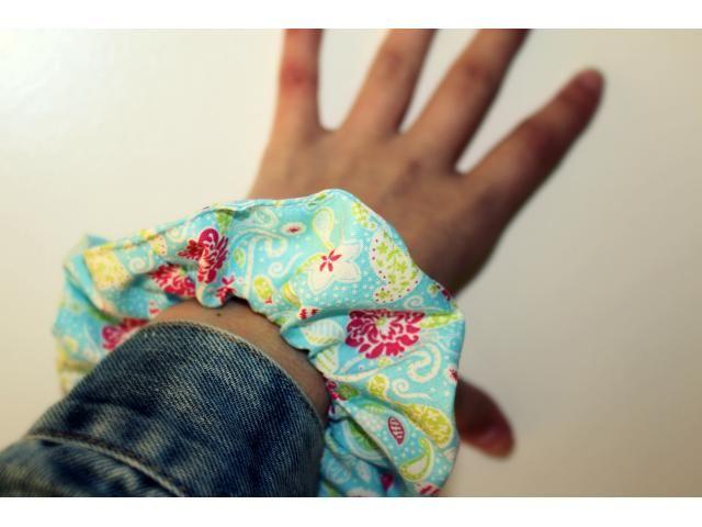 Scrunchie Blue & Flowers