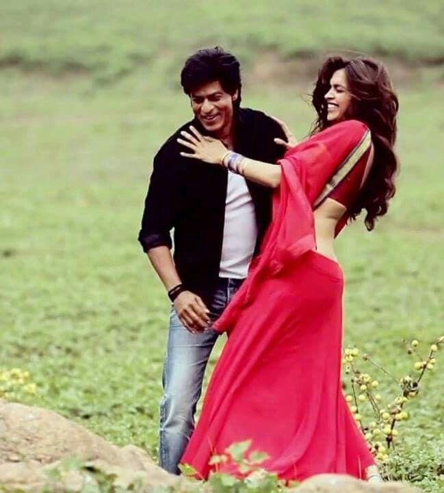 Shah Rukh Khan And Deepika Padukone Bollywood Celebrities Indian Celebrities Bollywood Actors