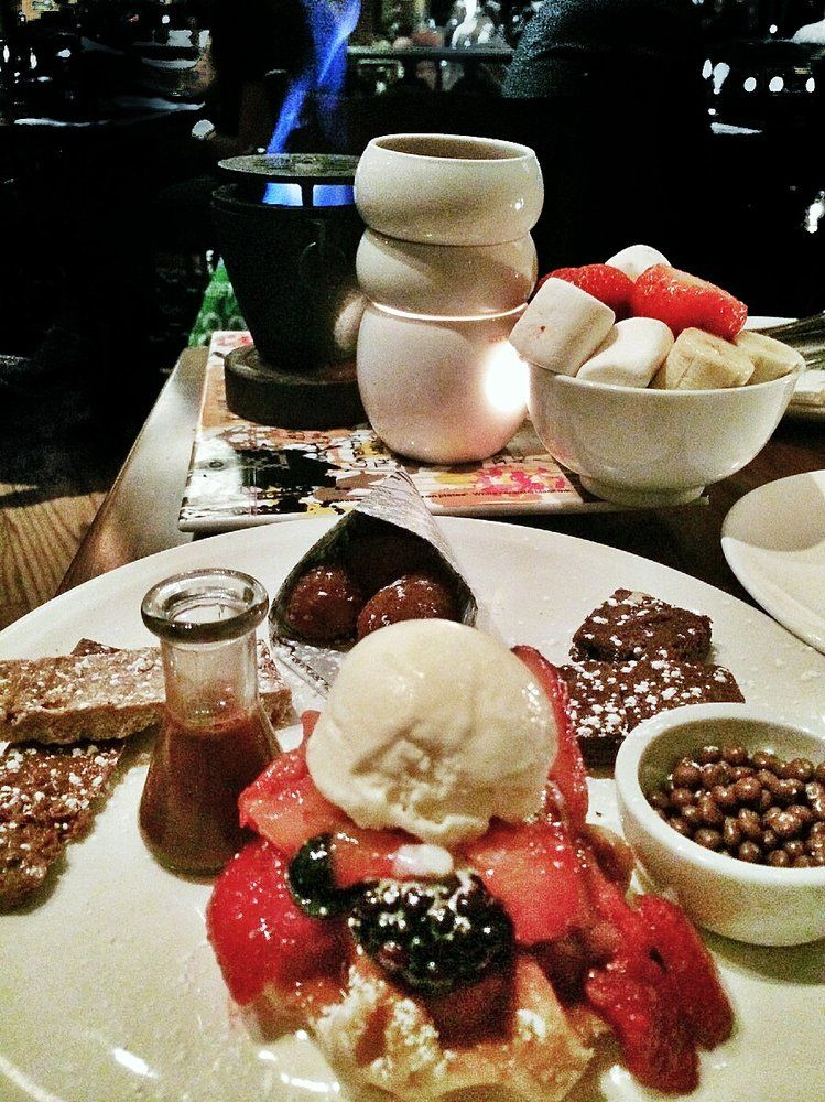 Max Brenner - New York, NY, United States. Fondue Sharing for Two