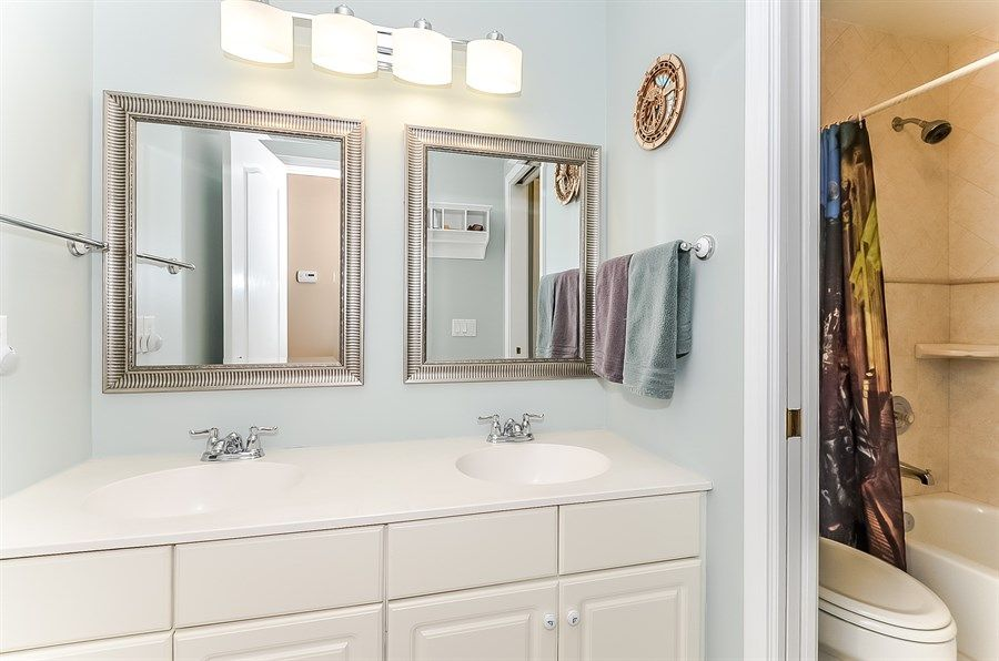 1 Light Over 2 Mirrors In Bathroom Google Search 2 Mirrors In Bathroom Bathroom Mirror Bathroom Decor