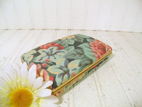 Retro Pastel Floral Fabric Jewelry Clam Shell Case Vintage Ivory