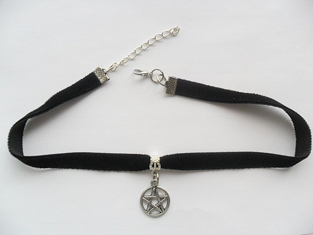 New to absolutemarket on Etsy Velvet choker necklace with
