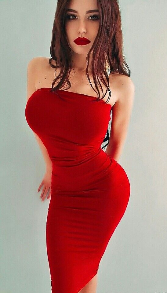 Killer red dress on a curvy vixen. | Red is the colour | Pinterest