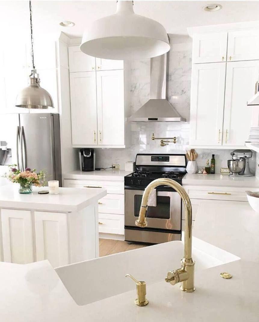 Image Of HDI Cabinetry Desoto White Kitchen