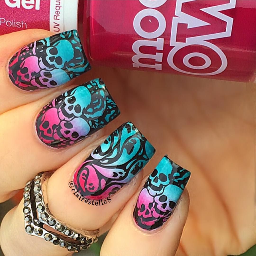 35 Creepy and Cute Halloween Nail Art Ideas | Skull nails ...