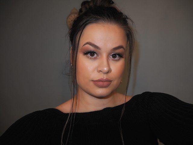 Photo of Winter makeup look