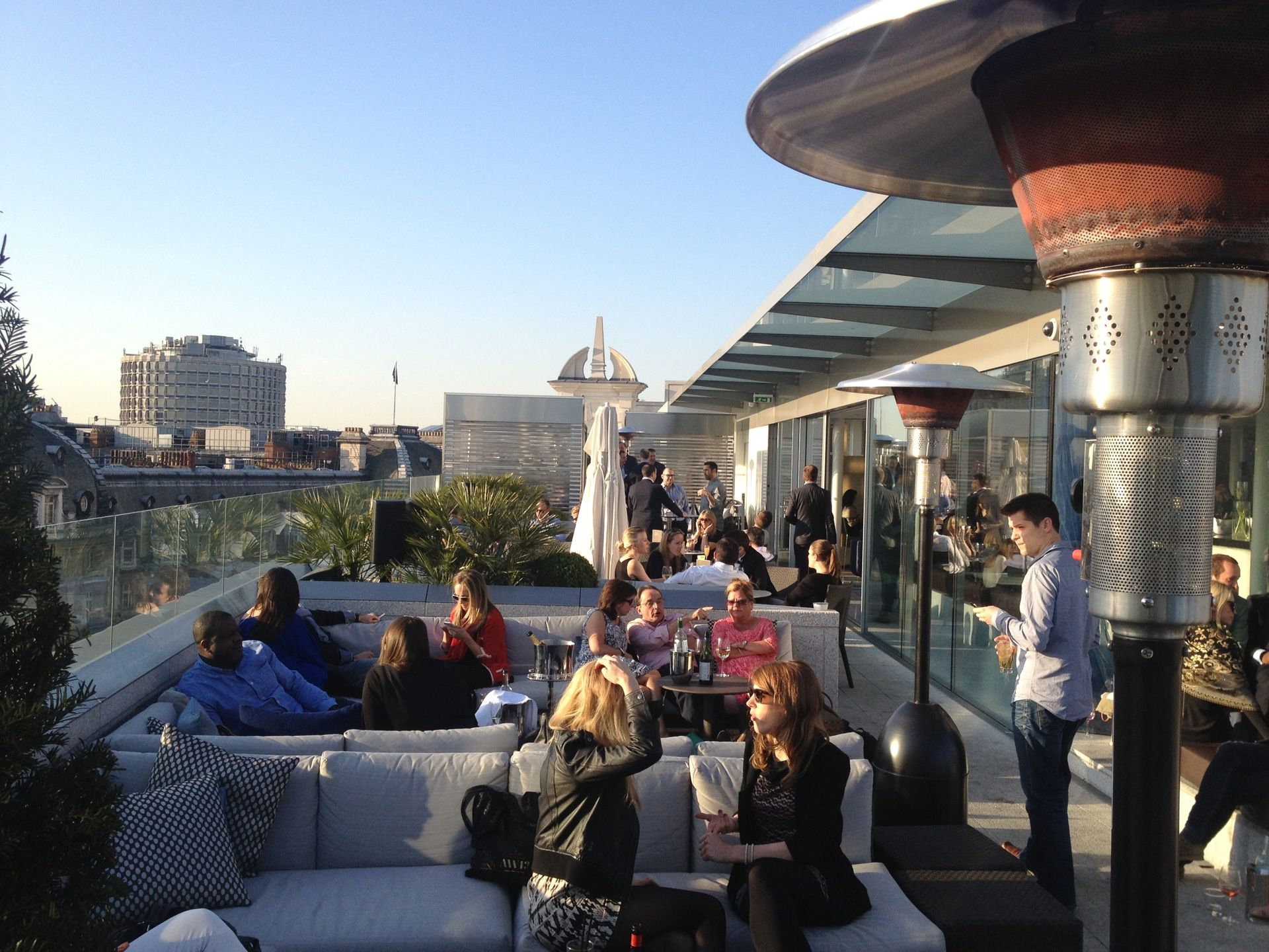 Radio Rooftop Bar And Restaurant Radio Rooftop Bar London Rooftop Bar Covent Garden Bars