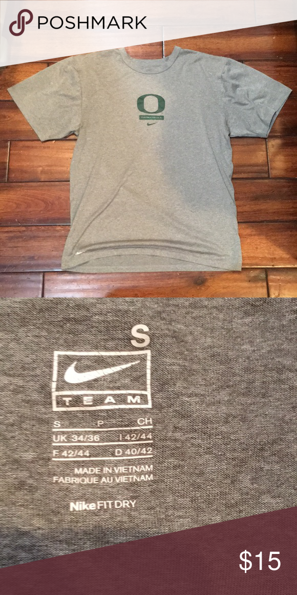 f8dc67ef Nike fit ducks basketball athletic workout shirt Good condition oregon  ducks basketball nike fit workout tee shirt Nike Shirts Tees - Short Sleeve