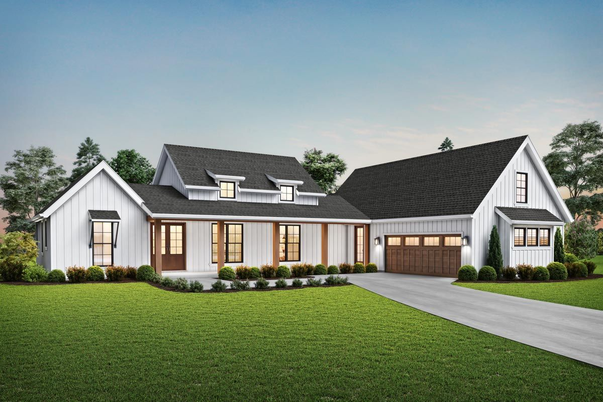 Plan 69760am 3 Bed Modern Farmhouse Plan With 2 Car Courtyard Entry Garage Modern Farmhouse Plans House Plans Farmhouse Craftsman Style House Plans