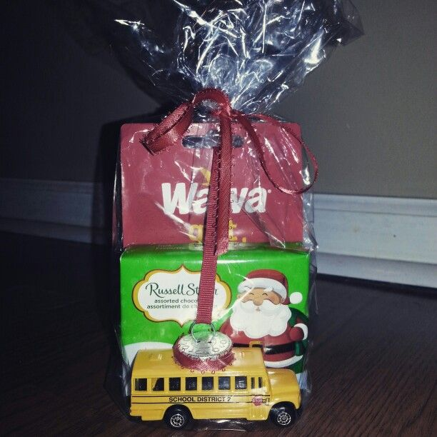 Bus driver Xmas gift....wawa gift card, chocolates, & a homemade ...