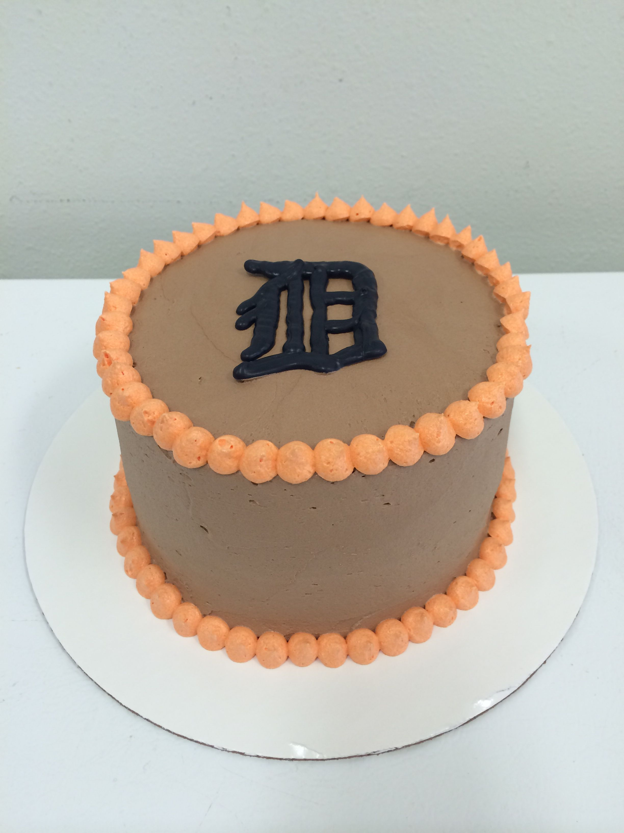 Detroit tigers cake - logo made from candy melts