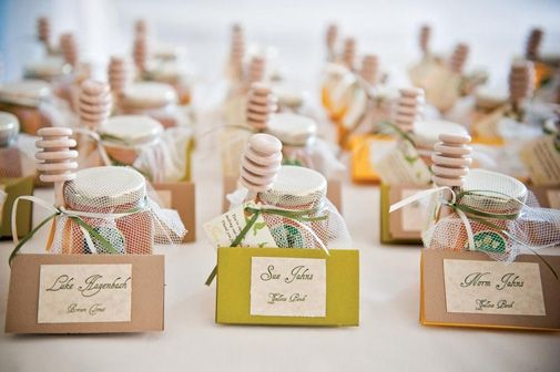 Wedding Reception Gifts For Guests: Honey Table Settings Https://www.etsy.com/shop