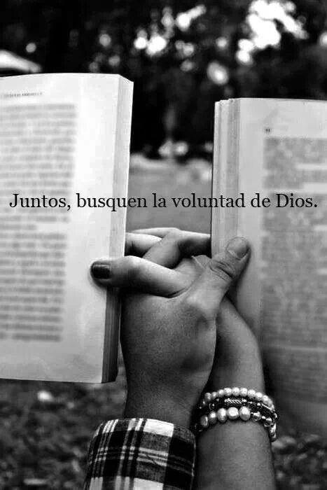 Juntos. ..con Dios a su lado. ..