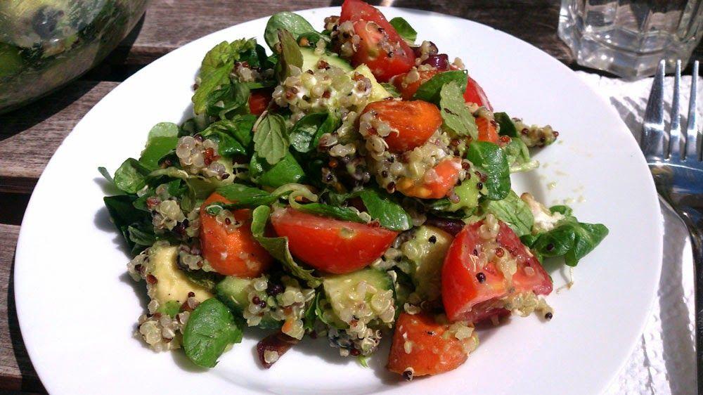 Punainen Orvokki: Reseptit: Maailman paras kvinoa-vuohenjuustosalaat...