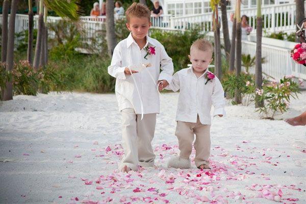 474bd4b7cd95 Trajes para pajes para bodas de playa. | ideas Boda en Playa | Pajes ...