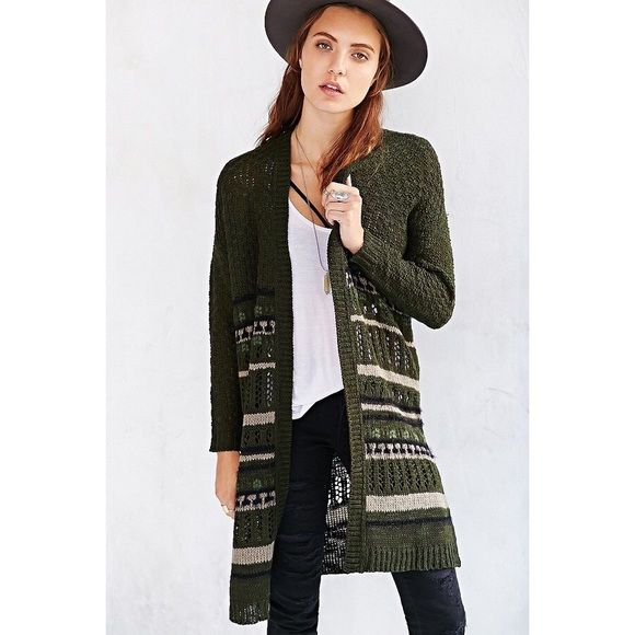 """Ecote Textured Knit Maxi Cardigan BRAND NEW WITH TAGS! excellent condition. I'm 5'3"""" and it goes down to just below my knees. will take reasonable offers! Urban Outfitters Sweaters Cardigans"""