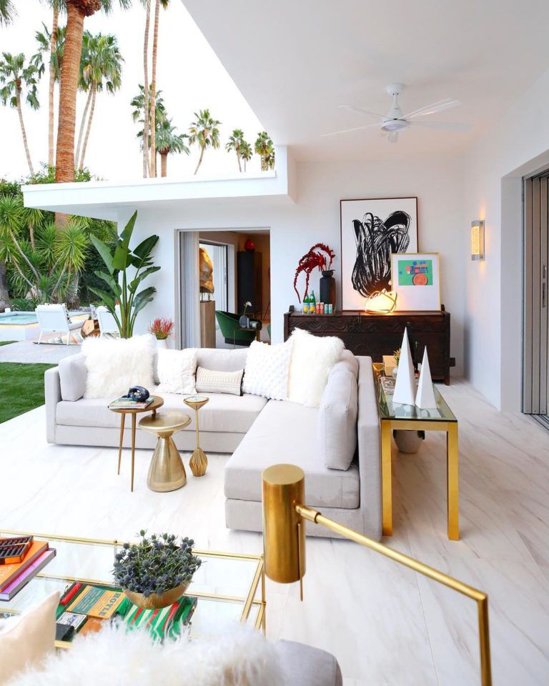Palm Springs Interior Designers Collaborate on Inspiration Showhouse | Palm trees, sunshine, mid-century design, and movie stars: this is Palm Springs, California! Click the link for an inside tour of this designers showhome! @traditionalhome