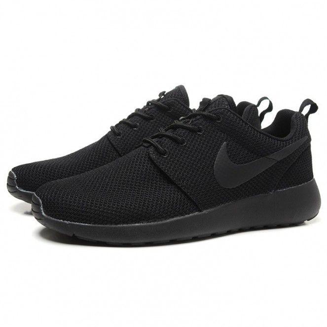 nike roshe run splatter pack running shoes all black. Black Bedroom Furniture Sets. Home Design Ideas