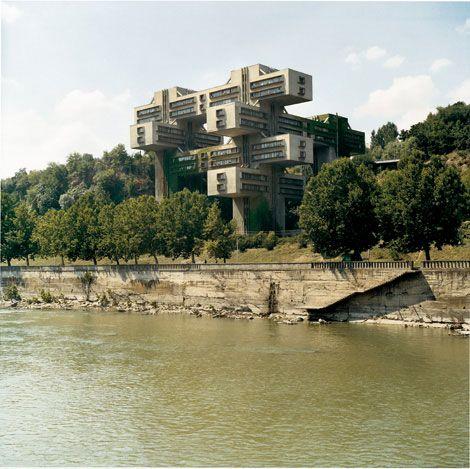 L Architecture Sovietique De Frederic Chaubin Photographie D Architecture Batiments Insolites Architecture