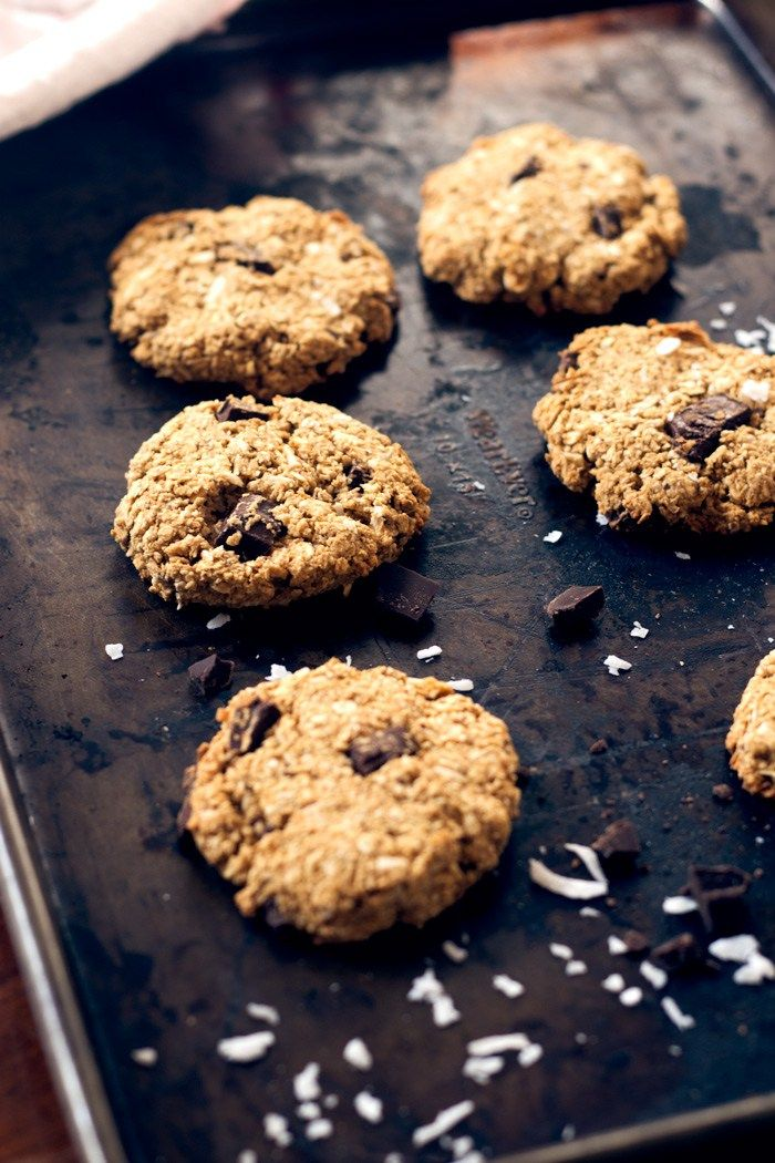 vegan coconut peanut butter oatmeal cookies | love me, feed me