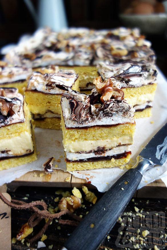 Photo of Schokobaiser-Kuchen mit Pflaumenmus und Creme – Zungenzirkus