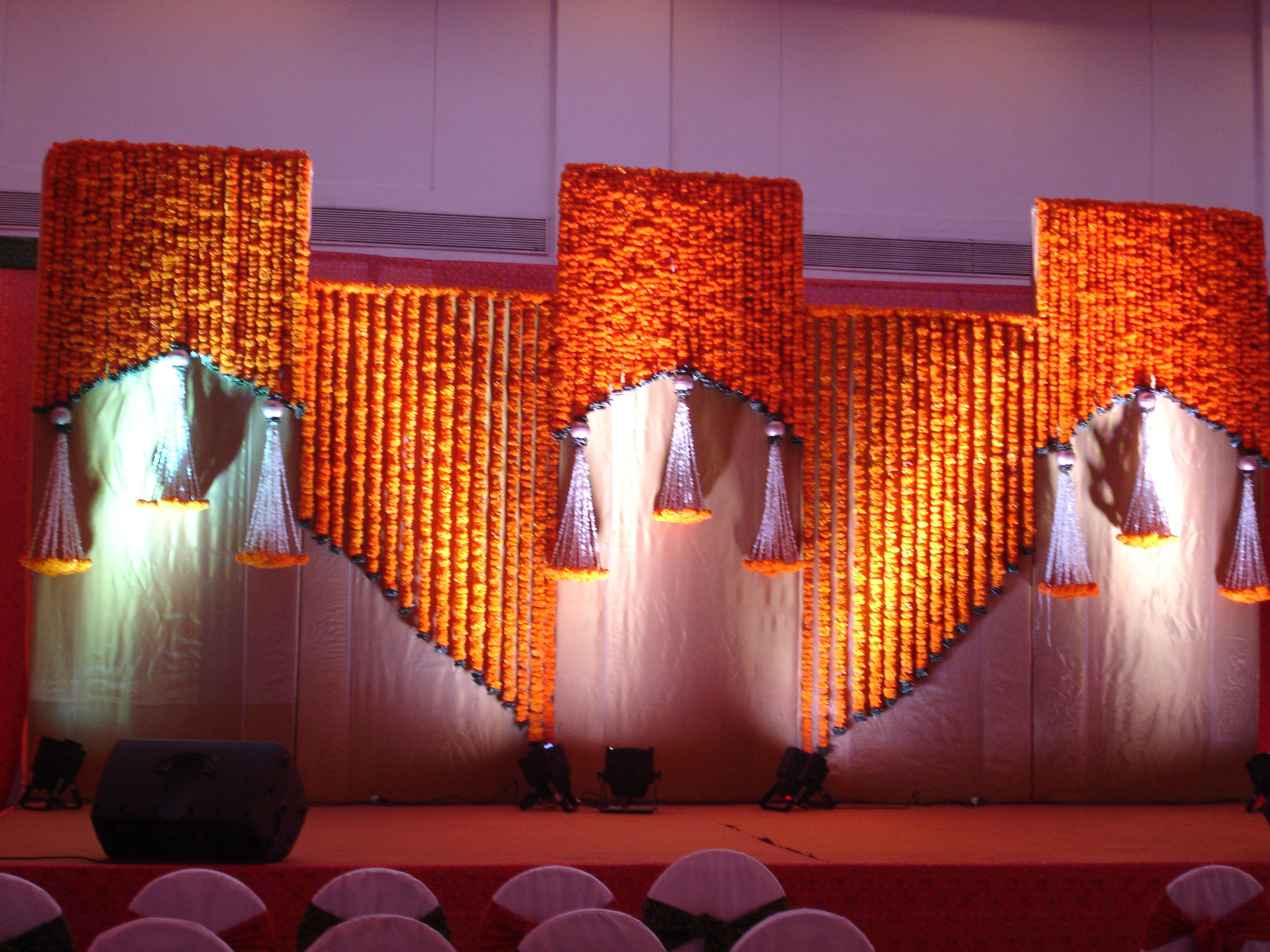 Wedding stage decoration with balloons  Plan a Wedding in Goa with Party Cruisers Pvt Ltd  Stuff to Buy