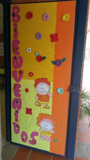 Puerta decorada puertas decoradas pinterest for Puertas decoradas primavera