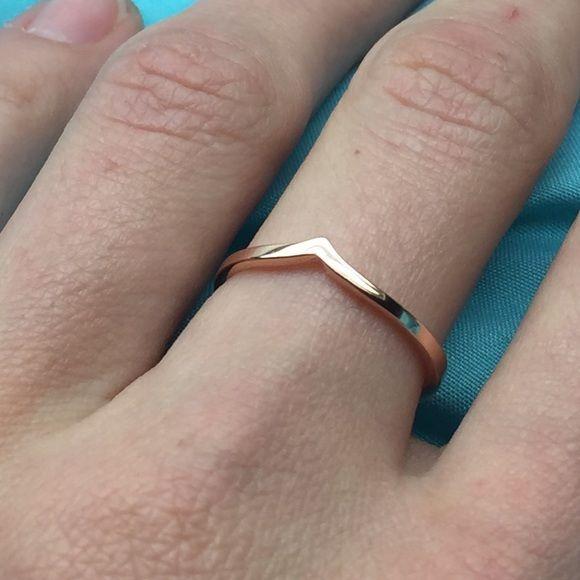 Chevron rosegold ring