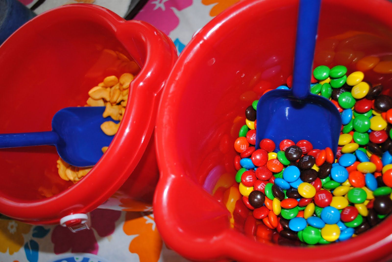 cute summer party idea haeli loves candy would be fun to put out