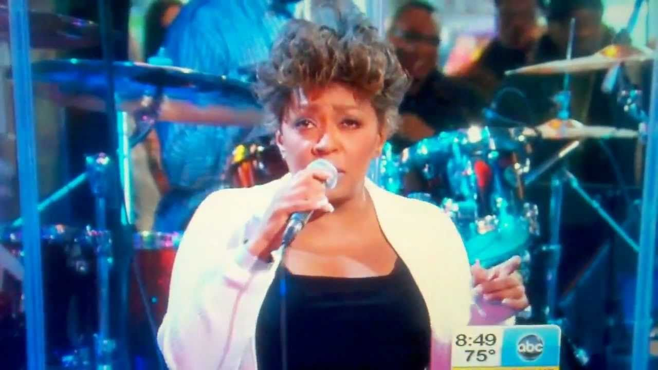 Anita Baker Is Back New Single Sweetest Dreams With Images