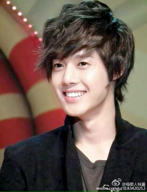 Kim Hyun Joong 김현중 ♡ smile ♡ SS501 ♡ Kpop ♡ Kdrama ♡