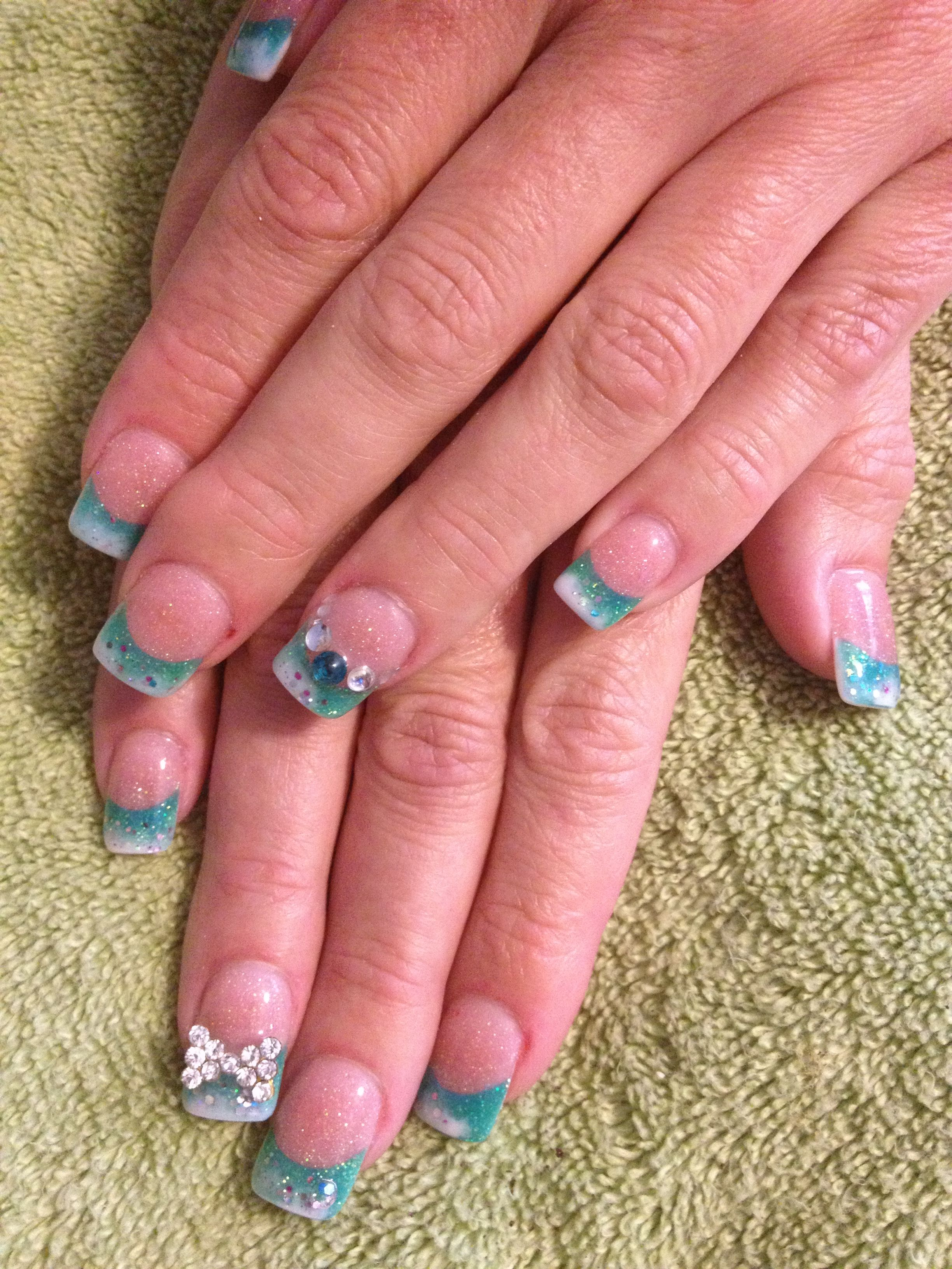 Glitter fade acrylics | Sara\'s nail designs | Pinterest