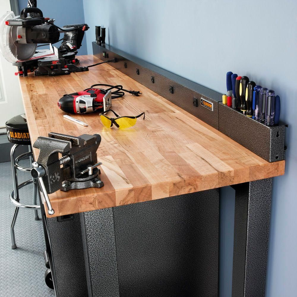 Gladiator 6 Ft 9 Outlet Workbench Power Strip With Tool
