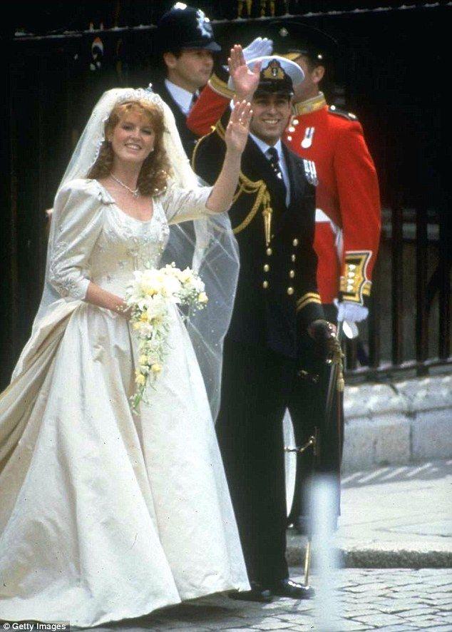 Pin by Princess M on HRH.QUEEN ELIZABETH II | Pinterest | British ...