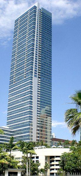 (spanish) http://cadmiami.com/blog_arts_institute/top-5-los-mejores-rascacielos-en-miami/ Los mejores rascacielos en Miami son el resultado de la combinación perfecta entre el lujo y la vanguardia arquitectónica.