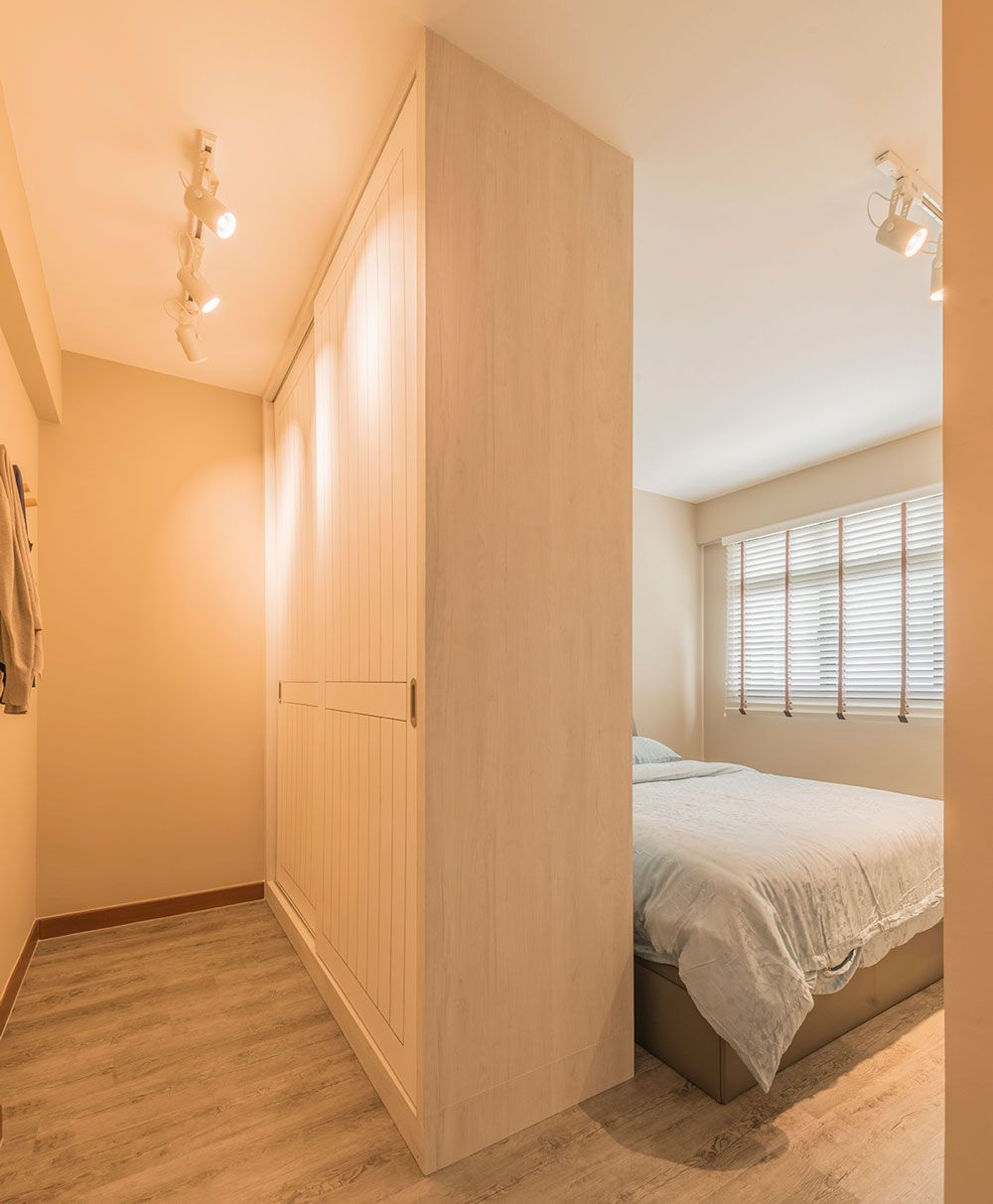 8 Ways To Squeeze A Walk In Wardrobe In Your Hdb Bedroom No Wall Hacking Required Bedroom Furniture Layout Home Room Design Wardrobe Design Bedroom