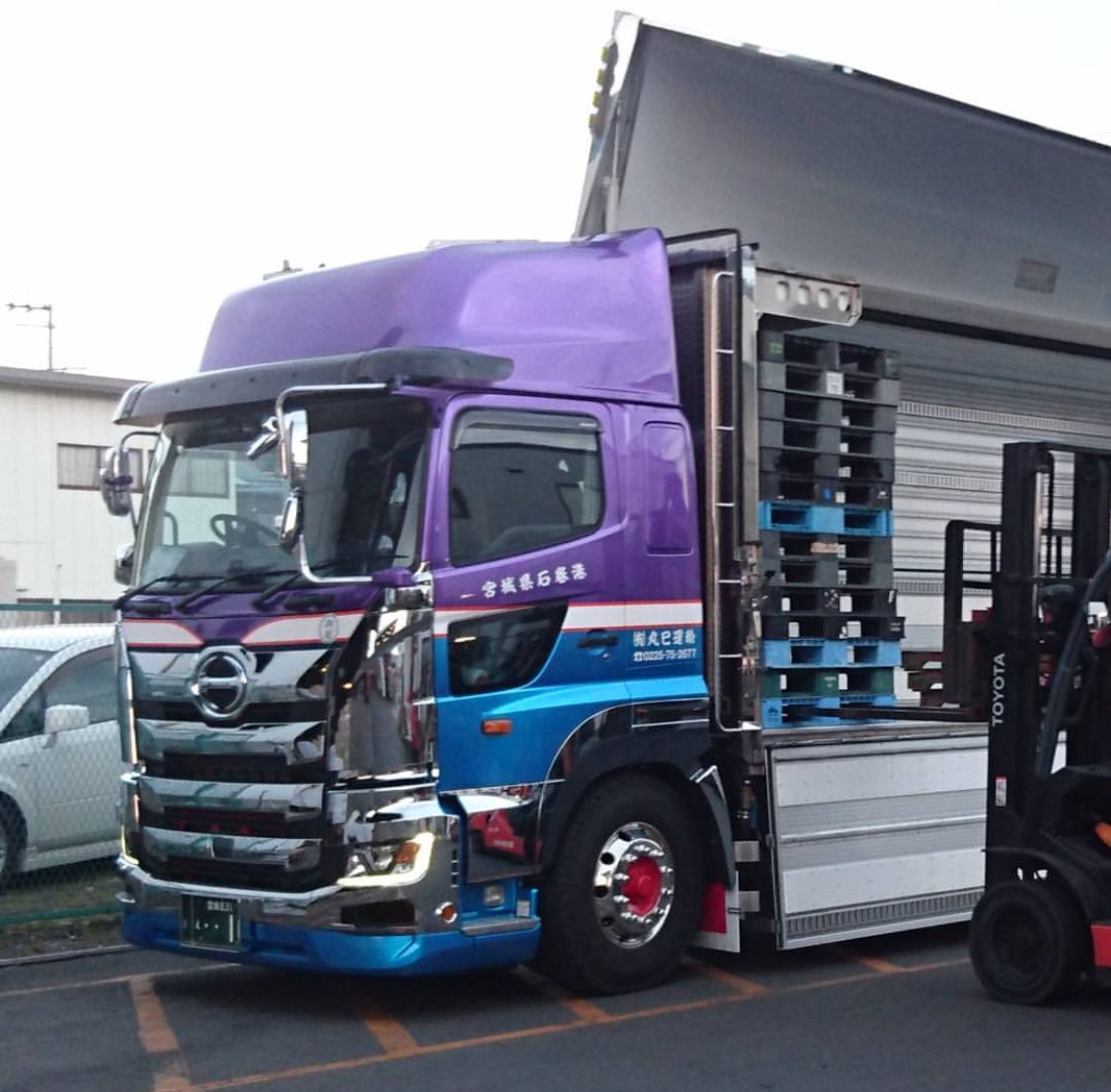 Bus And Truck Custtoms おしゃれまとめの人気アイデア Pinterest Kazu 日野 自動車 デコトラ トラック野郎