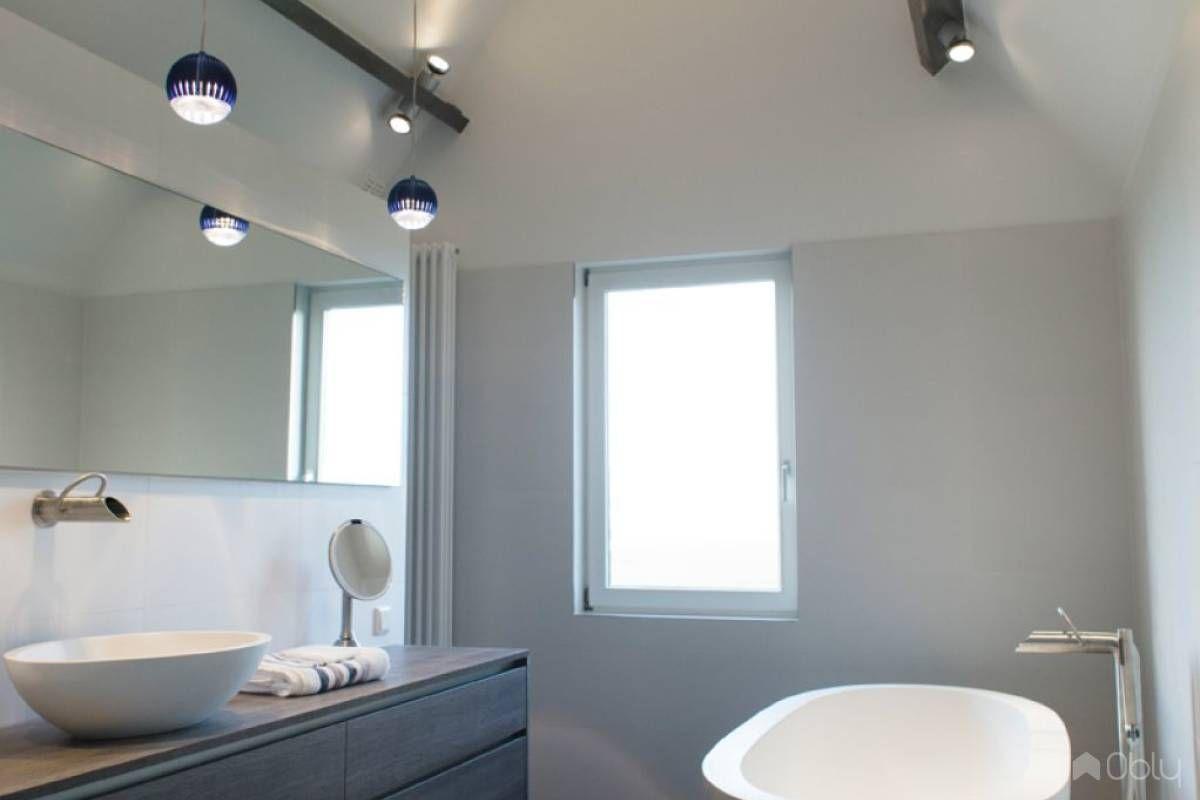 Moderne Strakke Badkamer : Het badhuys realiseerde een moderne strakke badkamer waarbij